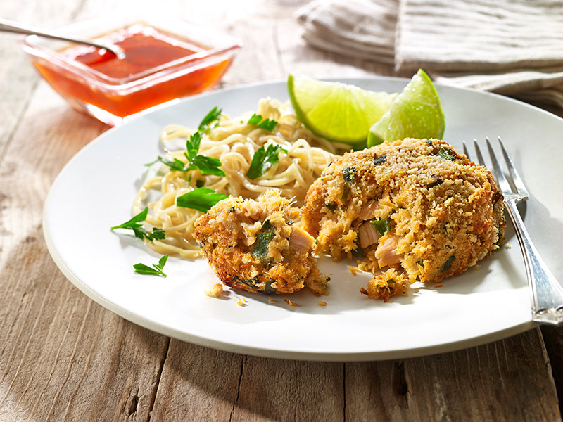 Salmon and fishcakes with Thai spices